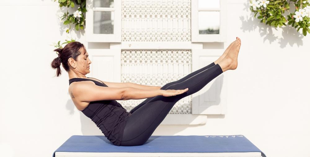 naukasana yoga pose